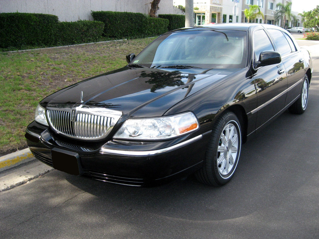 Lincoln Town Car Relax And Ride Llc